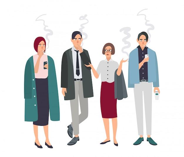 Sala para fumantes. pessoas de escritório diferente no intervalo para fumar. homem e mulher com cigarros. ilustração em estilo simples.
