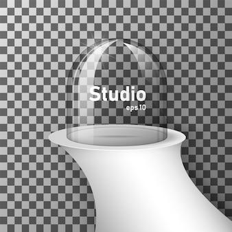 Sala vazia studio com um pódio e vidro transparente para a exposição do produto.