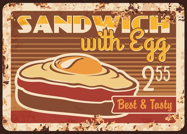 Sanduíche com placa de ovo enferrujado