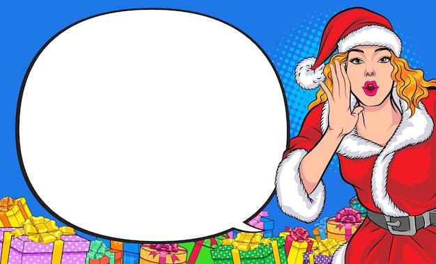 Santa mulher gritando com a mão em volta da boca e estilo de quadrinhos pop art copyspace
