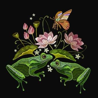 Sapos bordados, borboletas e flores de lótus