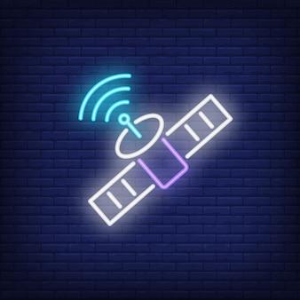 Satélite, e, sinal símbolo, sinal néon