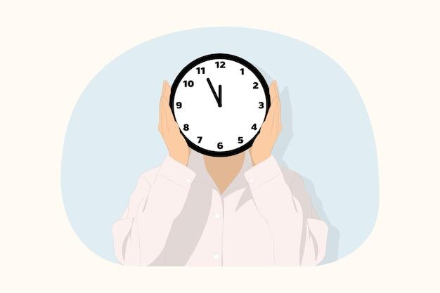 Secretária de negócios de jovem funcionário escondendo o rosto da capa com o conceito de relógio