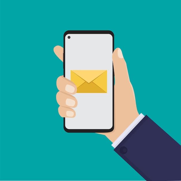 Segure o telefone inteligente e a mensagem, ilustração plana