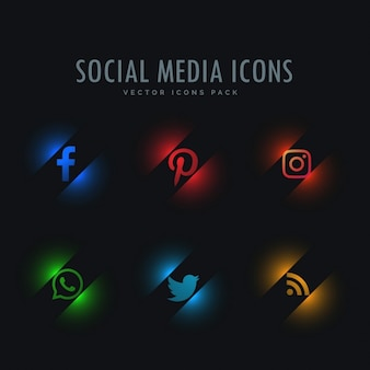 Seis ícones de mídia social no estilo de néon