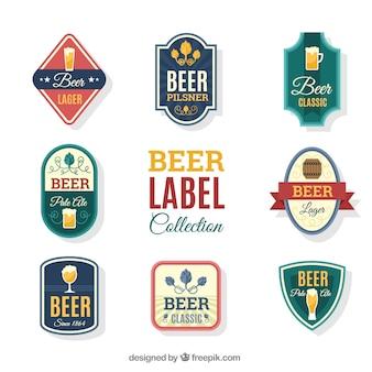 Seleção de etiquetas de cerveja em design plano