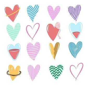 Seleção de formas de amor em diferentes tipos de estilo de doodle