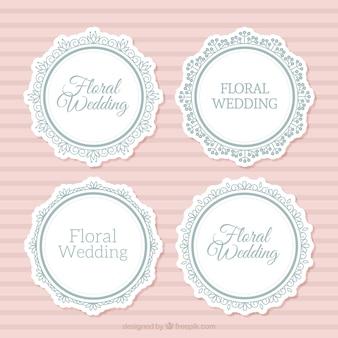Seleção de quatro quadros de casamento redondos