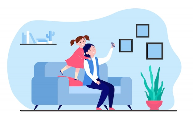 Selfie mãe e filha no smartphone