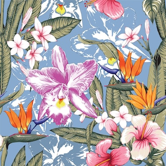 Sem costura padrão floral rosa cor pastel hibisco, frangipaniand orquídea flores no fundo azul isolado