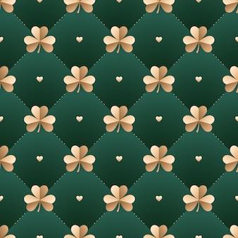 Sem costura padrão irlandês de ouro com trevo e coração