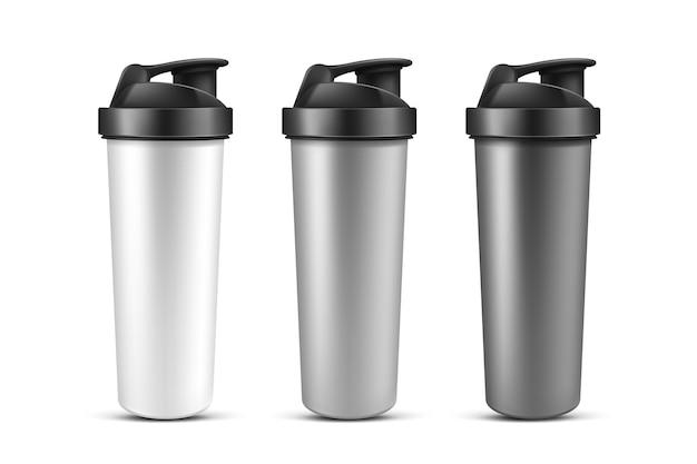 Shaker de proteína, copo para nutrição esportiva, gainer ou bebida batida de soro de leite. garrafa de plástico esporte, batedeira para ginástica ou musculação isolada no fundo branco. maquete de vetor 3d realista