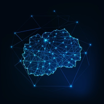 Silhueta brilhante do norte da macedônia mapa feita de triângulos de pontos de linhas de estrelas, formas poligonais baixas.