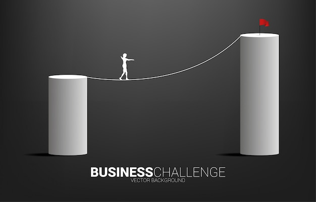 Silhueta de empresária andando na corda andar caminho para o gráfico de barras mais alto. conceito de risco de negócios e carreira