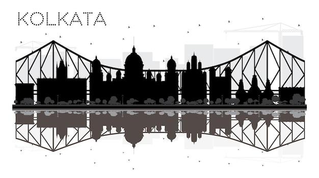 Silhueta de horizonte preto e branco de kolkata city com reflexos. ilustração vetorial. conceito plano simples para apresentação de turismo, banner, cartaz ou site da web. paisagem urbana com pontos de referência