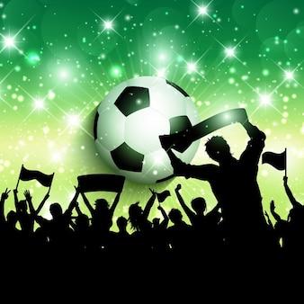 Silhueta de uma bola de futebol ou de futebol fundo da multidão