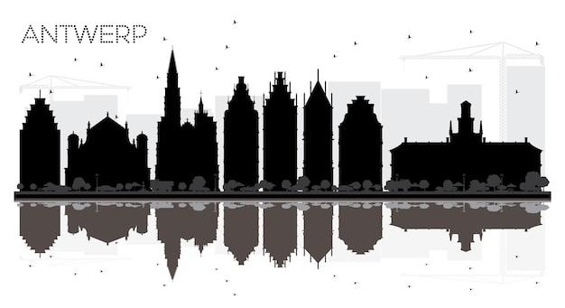 Silhueta em preto e branco do horizonte da cidade de antuérpia bélgica com ilustração em vetor de reflexões