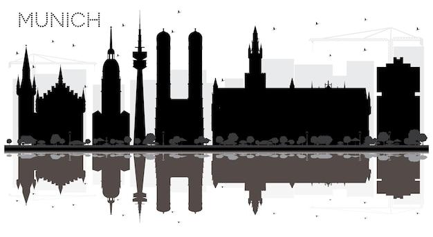 Silhueta preto e branco do horizonte da cidade de munique alemanha com reflexões. conceito de viagens de negócios. arquitectura da cidade de munique com monumentos.