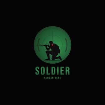 Silhueta vetorial de um soldado com uma arma na mira óptica