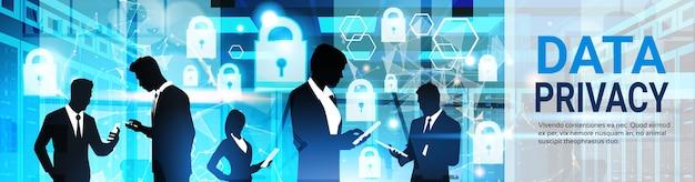 Silhuetas de grupo de negócios toque virtual cadeado