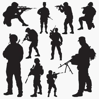 Silhuetas de soldado