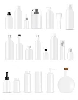 Simulação de garrafas brancas realistas para embalagens de produtos skincare