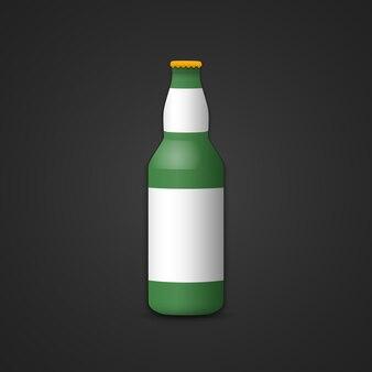 Simulação de vetor de bota de cerveja em branco de vidro verde com tampa amarela ilustração de rótulo branco realista com design de modelo de sombra isolado em fundo escuro