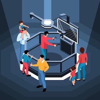 Simulador de realidade virtual com pessoas ao redor e um homem de óculos segurando um console isométrico