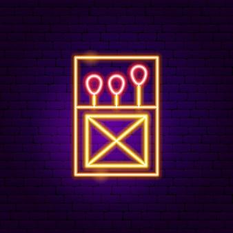 Sinal de néon da caixa de fósforos de lúcifer. ilustração em vetor de promoção de fogo.