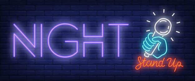 Sinal de néon da noite de standup