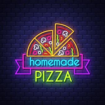 Sinal de néon da pizza caseira