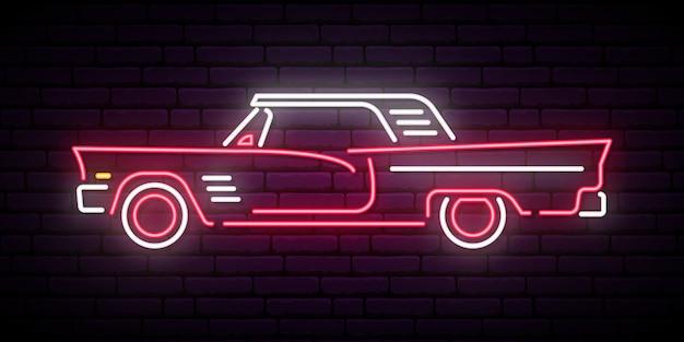 Sinal de néon do carro vermelho retro.