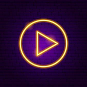 Sinal de néon do círculo triângulo seta. ilustração em vetor de promoção de direção.