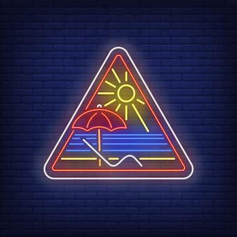 Sinal de néon do resort de praia