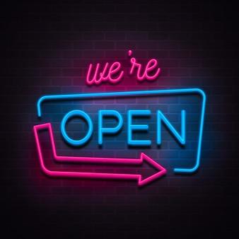 Sinal de néon 'estamos abertos'