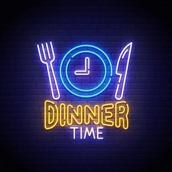 Sinal de néon na hora do jantar