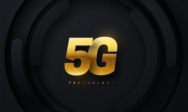 Sinal dourado de tecnologia 5g com textura de placa de circuito em fundo preto geométrico