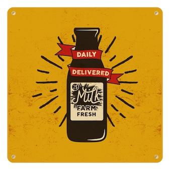 Sinal orgânico do leite cru do vintage no cartão amarelo, fundo. design clássico retrô.