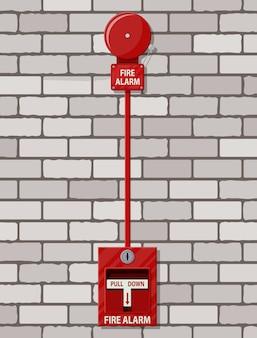 Sistema de alarme de incêndio na parede de tijolos. equipamento contra incêndio.