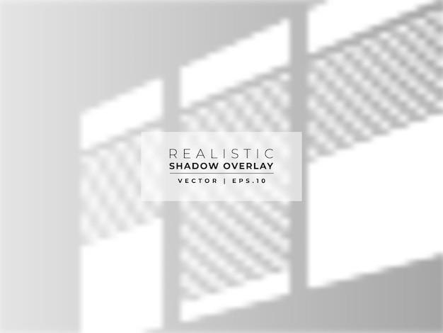 Sobreposição de sombra da janela na parede branca