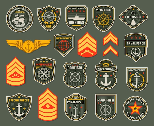 Soldado das forças navais do exército, distintivos de fuzileiros navais e alças de ombro de classificação. heráldica