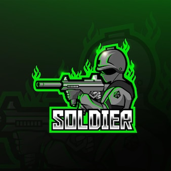 Soldado segurando o design do logotipo do mascote da arma de fuzil de assalto
