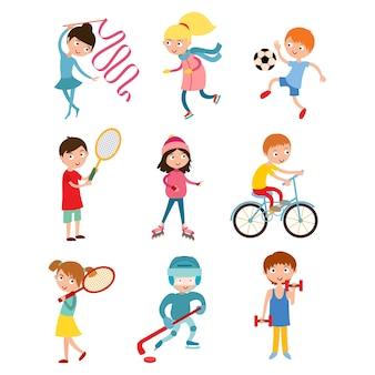 Sportsmens de crianças jovens isolados no branco