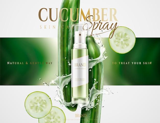 Spray de cuidado de pele de pepino com salpicos de água e ingredientes