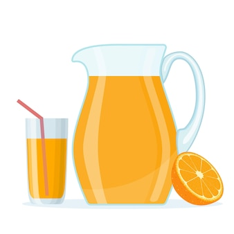 Suco de laranja em jarra de vidro e meia fatia de laranja.