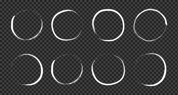 Super conjunto de escova de círculo desenhado mão grunge isolado em fundo transparente.