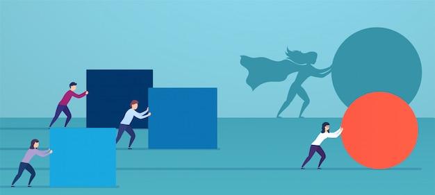Super-herói de mulher de negócios empurra a esfera vermelha, ultrapassando os concorrentes.