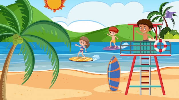 Surfista na praia de verão