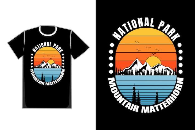 T-shirt parque nacional pinheiro montanha estilo retro vintage