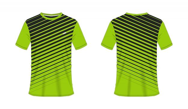 T-shirt verde e preto modelo de futebol ou futebol para clube de equipe em fundo branco. esporte de jersey,